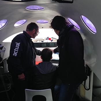 Yves Le Bleves avec la Team Great Circle avant le départ de la Transat Jacques Vabre